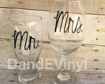 Mr and Mrs wine glass and pilser glass