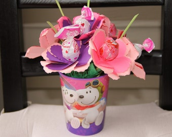 Valentine's Day - Gift for Her or Kids - Paper Heart-Shaped Lollipop Mini Floral Arrangement - Snoopy Cup - Decorated stems and paper leaves