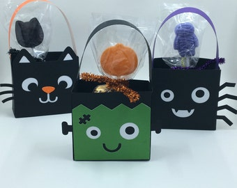 Halloween party favor bags, set of 5 party favor bags for kids, paper party favor bags, treat bags, candy party bag