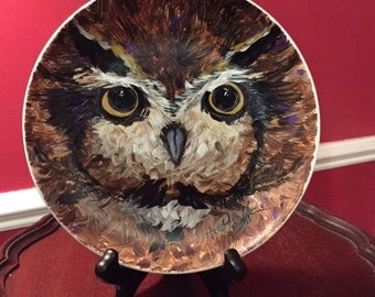 """Owl Plate with Easel, 7 1/2"""" hand painted plate by Ana Peralta"""