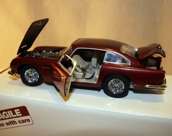 Vintage Danbury Mint 1964 Aston Martin DB5 With Box//Original Box and Title