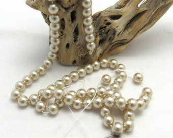 "1 Strand (15"") Dyed Round Glass Pearl Beads 6mm - Ecru (B70s1)"