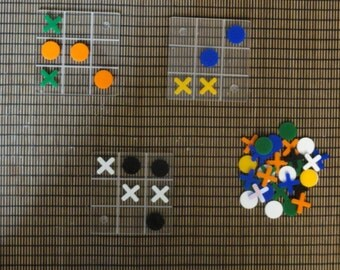 "Game ""Morbak"", version Plexiglas of the famous game crabs, Tic-Tac-Toe, noughts & crosses"