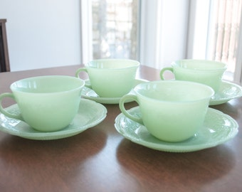 4 Vintage Jadeites Fire King Anchor Hocking Teacups and Saucers - Jadeites Alice Pattern