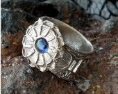 handmade  bronze ring ,vintage  Antique style, with  a blue corindon - US size =6   g92a-009