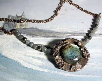 Necklace in  Bronze vegetal style, beautiful  Labradorite with goldy and blue flashes , pyrit and labradorit beads and a rare vintage chain