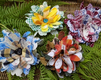 """A Kit to make 4 Rag Brooches in the Traditional """"Rag Rug"""" style."""