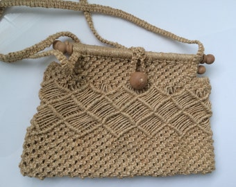 Vintage style woven raffia and wood handbag