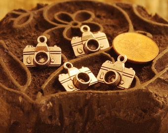 camera charms,camera,photography charm,photographer charm,photographer jewelry,photography jewelry