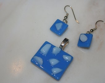 fused-glass  jewelry set, pendant with earrings