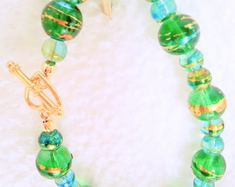 Multi-color glass bead bracelet