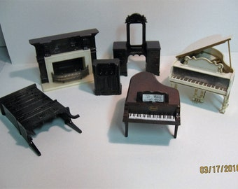 Assorted Ideal dollhouse furniture pieces