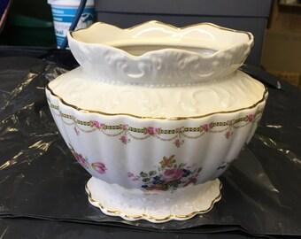 Large Pot Pourri Vase - Floral Design