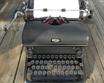Vintage Royal Typewriter, good ribbon,Working typewriter