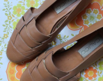 Cool Vintage 80s Leather Woven Flats Sandals - Size 6