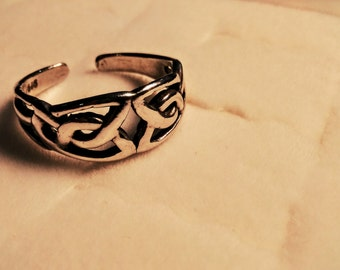 Summer Celtic Toe Ring (adjustable)