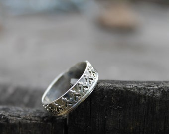 Sterling Silver Crown Band Ring