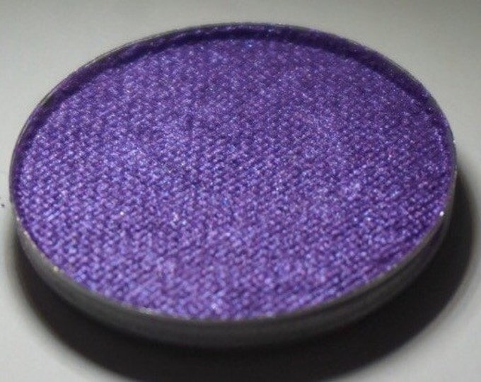 LAST CHANCE ***Columba Pressed Eyeshadow - Violet Base with a Blue/Violet Duochrome Shift