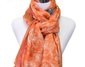 Retro Style Paisley and Floral Print viscose-silk scarf