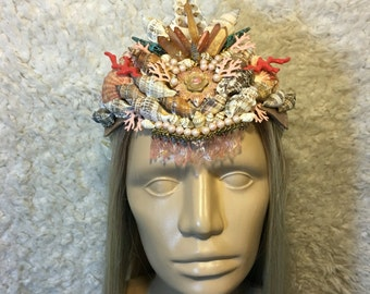Coral shell crown