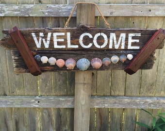 Scallop Shell Driftwood Welcome Sign
