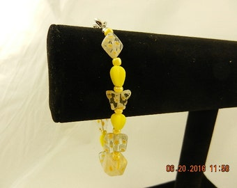 Yellow and yellow and white bead bracelet
