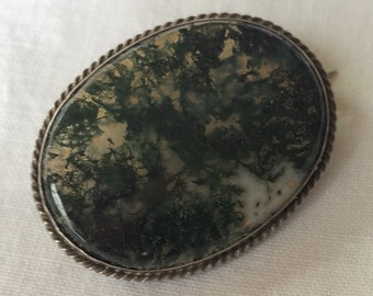 Victorian Brooch, Green Agate and Silver