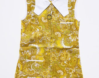 Goodwood Girl - New Old Stock - Vintage 70's girls mustard yellow  and white paisley print playsuit/shorts - Approx Age 3/4 & 4/5