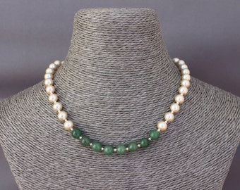 Green jade with mother of Pearl Crystal beads necklace.