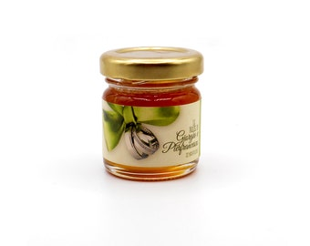 Wedding honey favors with personalized labels