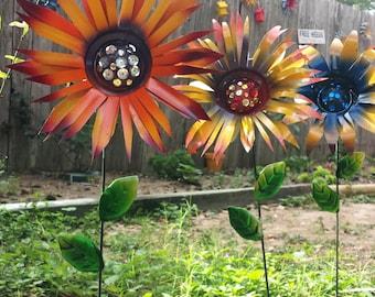 Glittering Flower Garden Stakes, Painted Flower Yard Stake, Metal Garden Decoration, Wild Flower Garden Art