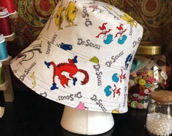 Dr. Seuss reversible bucket hat size XS