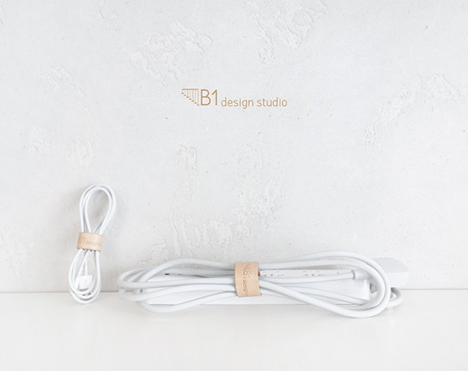 Leather Cable Organizer, Cable Gadgets, Earphone Cable Organizer, Light Color Leather Organizer, Easy to Use, Mini Leather Item