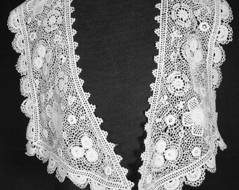 Antique LACE COLLAR 1900's Wearable Chemical Lace Fashion Collar Raised Petals