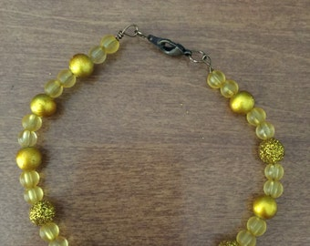 Yellow beaded bracelet