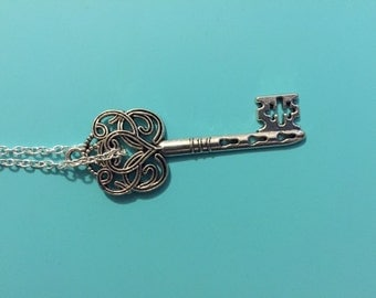 Silver Swirled Heart Key Necklace