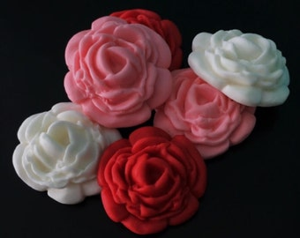 25 Small Fondant Roses