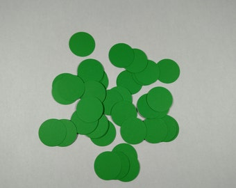 Kelly green table confetti table scatter