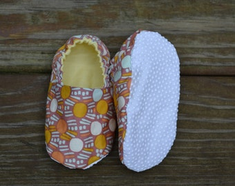 Baby booties - Orange/Yellow polka dots