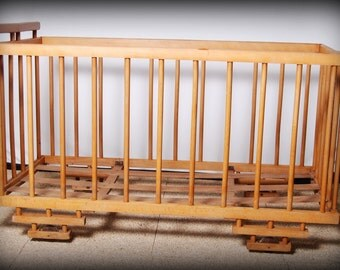crib /baby bed/bed vintage bed trailer/bed bohemian