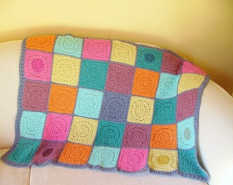 Bamboo/Cotton Colourful Friends Throw Rug