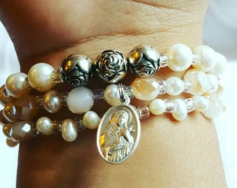 St Theresè Ivory Stack Set