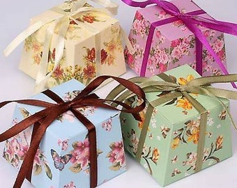 20 x Vintage wedding favour boxes filled with sugared almonds