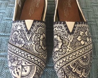 Custom, Hand Drawn Henna Design TOMs