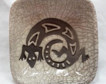 Ceramic petroglyph lizard dish