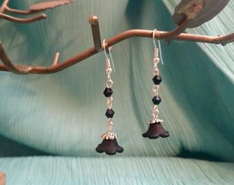 Black bell flower earrings
