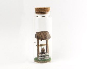 A Old Well In A Bottle / Miniatures / Sculptures / Decorations / Terrarium / Diorama / Doll house / Gift