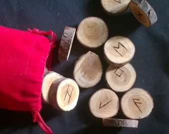 Rune set on Yew pieces for divination (set AC902)