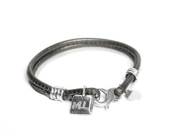 OFFER handmade bracelet silver and leather, customizable Medal, NUNGWI - made bracelet