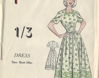 "1940s Vintage Sewing Pattern DRESS B34"" (R613) Practical 9316"